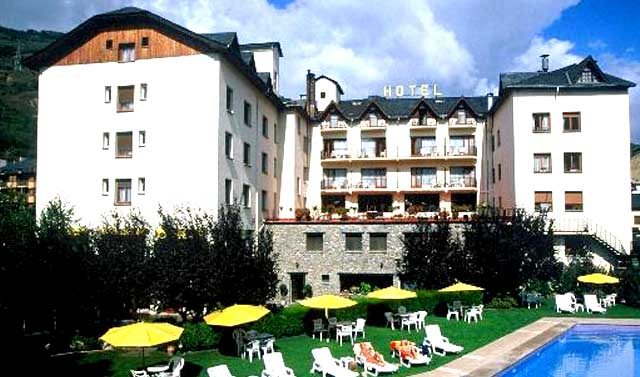 02-hotel-pirineo-catalan-pessets-sort-lleida