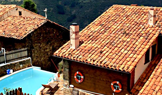 La Casa de las Chimeneas, en Tudes, Cantabria