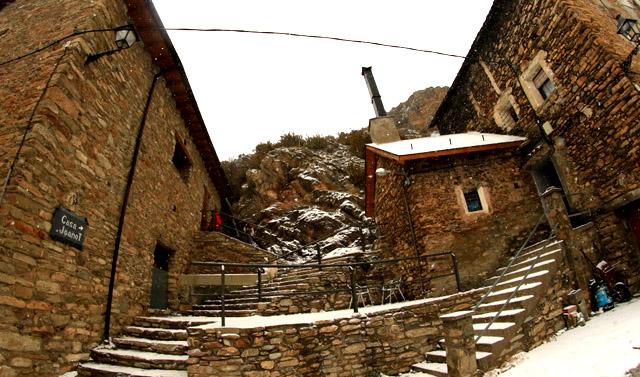 Casa Joanot; en Iran, Lleida.
