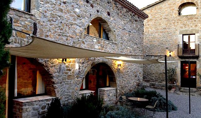 El Nus de Pedra; en Llorà, Girona.