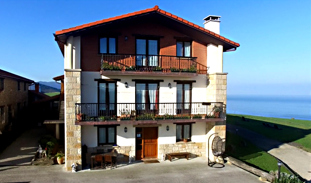 Santa Klara Nekazaletxea, en Zumaia, Euskadi
