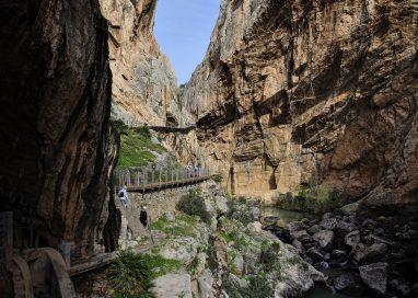 La Diputación de Málaga invierte en turismo activo en la zona de El Chorro