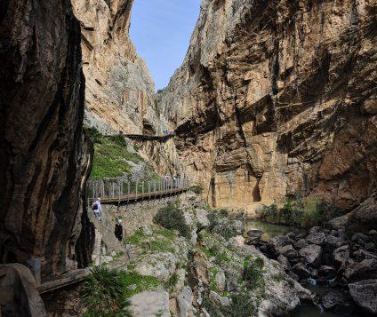 La Diputación de Málaga invierte en turismo activo en la zona de El Chorro - turismo-activo