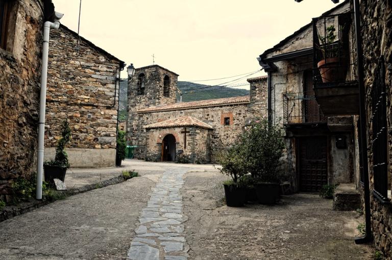 Castilla-La Mancha potencia el turismo e inaugura la vía Ferrata «Boca del Infierno»