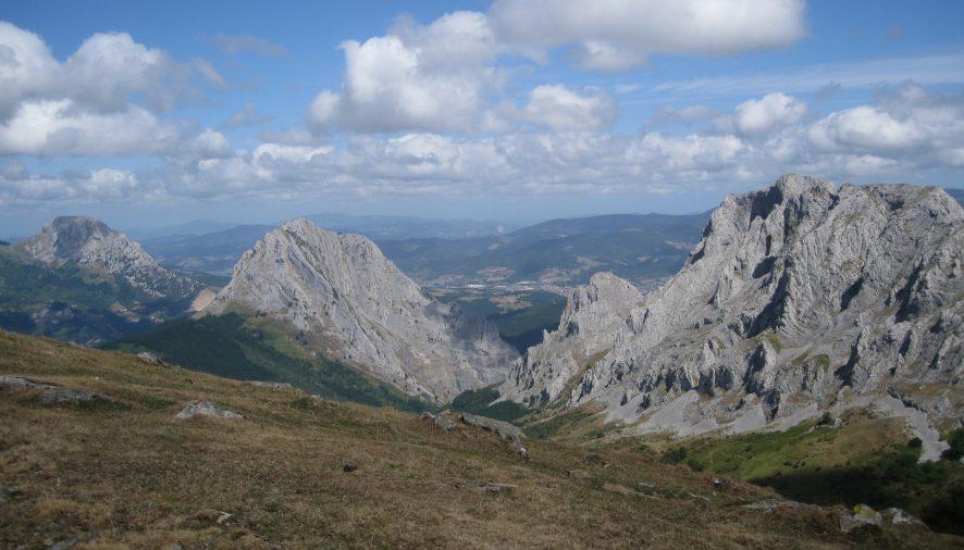 Nuevas prohibiciones en el Parque Natural de Urkiola con su nuevo Plan Rector.