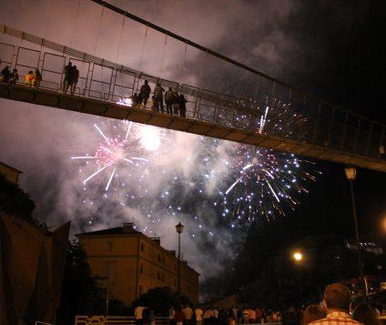 Cangas del Narcea agota sus alojamientos para las Fiestas del Carmen y la Magdalena - pueblos