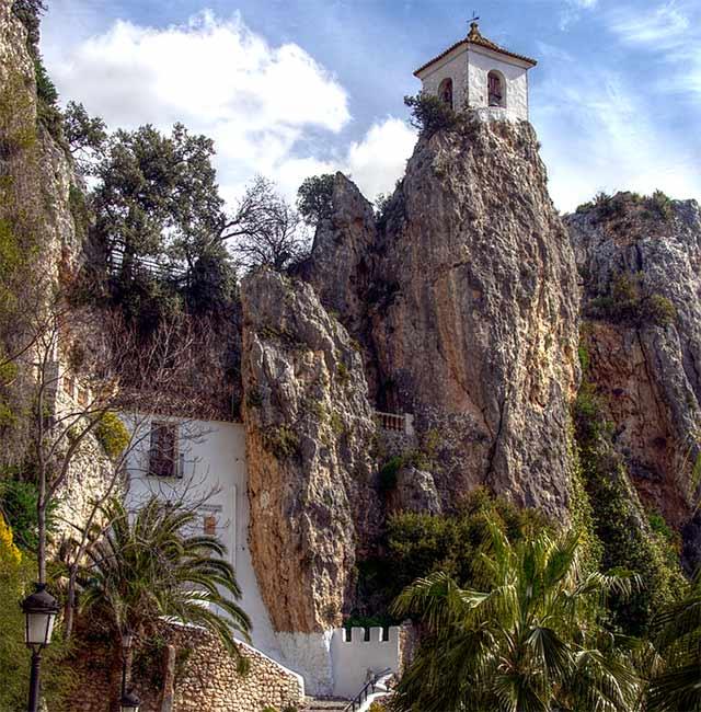 Pueblos bonitos que visitar en Alicante, Castell de Guadalest