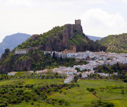 Zahara de la Sierra se proclama como  uno de los Pueblos más Bonitos de España - pueblos