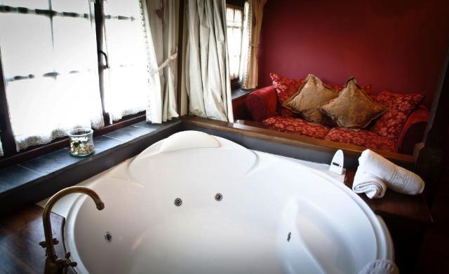 hoteles jacuzzi privado habitacion moncloa san lazaro