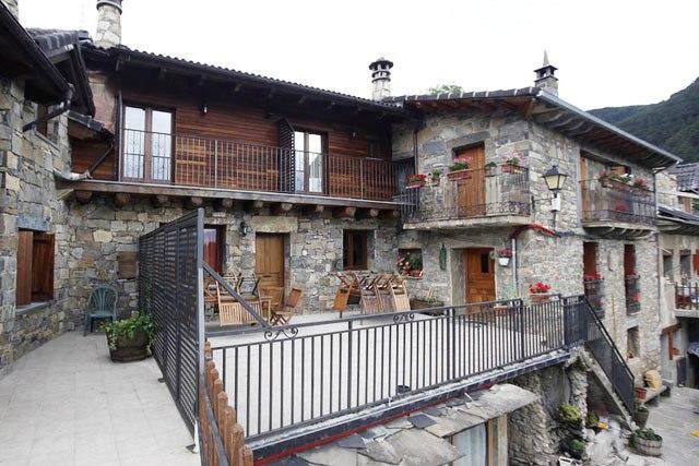 hoteles jacuzzi habitacion balcon pirineo