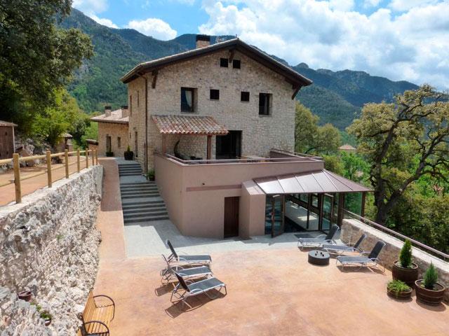 7d12f64d914db La Casa Vella es una casa pairal de la finca Viladomat Rural. Cuenta con  referencias históricas desde el siglo XVI