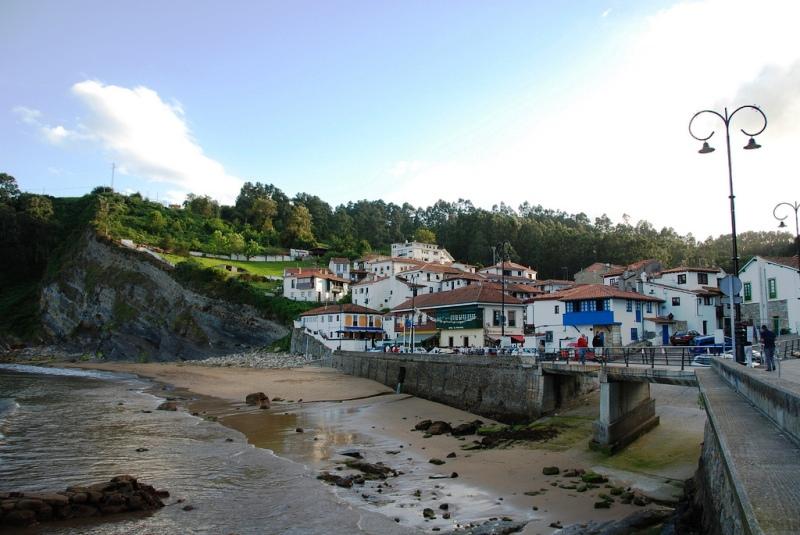 Tazones se proclama como uno de los Pueblos Más Bonitos de España