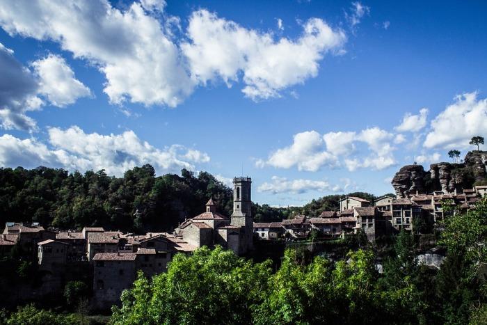 Duro descenso del turismo rural en Cataluña en marzo