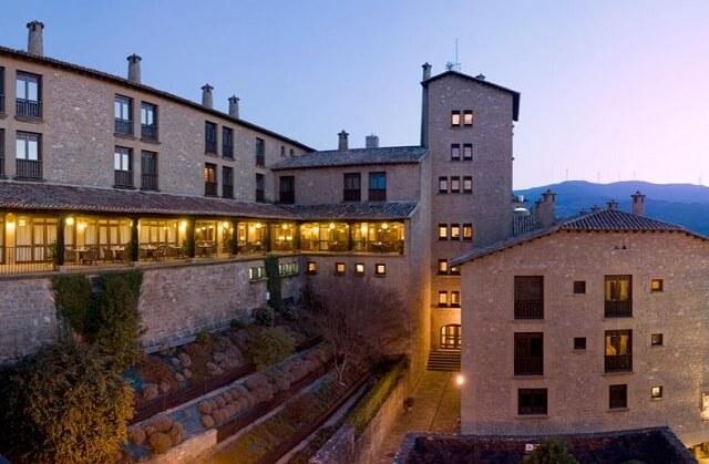 mejores hoteles jacuzzi zaragoza parador sos rey catolico