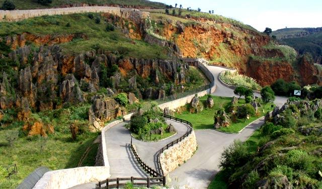 Parques para ver animales en semilibertad - Cabárceno, Cantabria